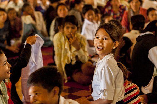Une jeune à Battambang, Cambodge ©AntoineBesson