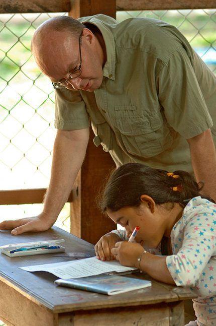 Martin et une filleule Enfants du Mékong à Sisophon © M.-Norbert