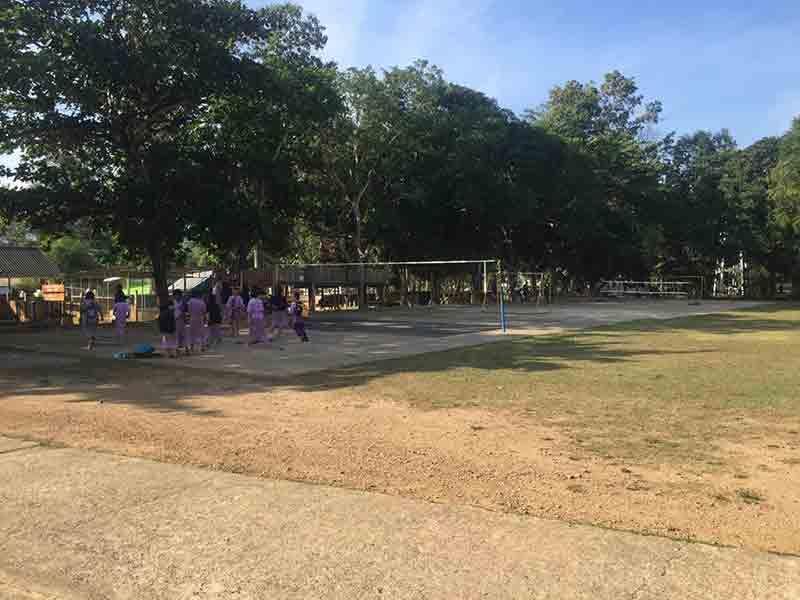 Terrain de Volley de l'école ©Enfants du Mékong