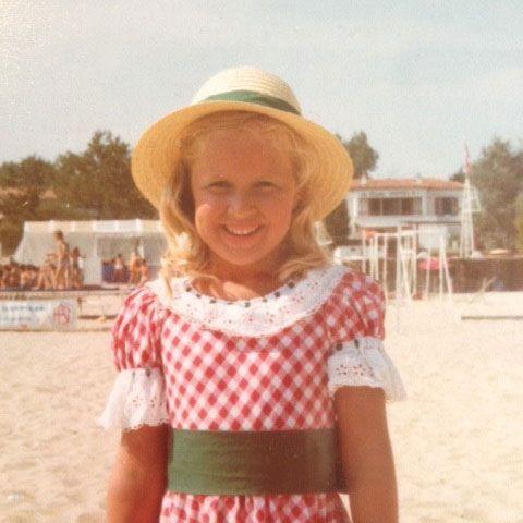 Portrait de JOSNIERES Alexandra à 6 ans en concierge