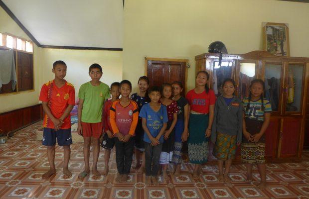Laos, enfants, Cours d'anglais gratuits pour les villages de Phatonlong et Tongkham