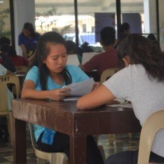 étude du soir aux Philippines