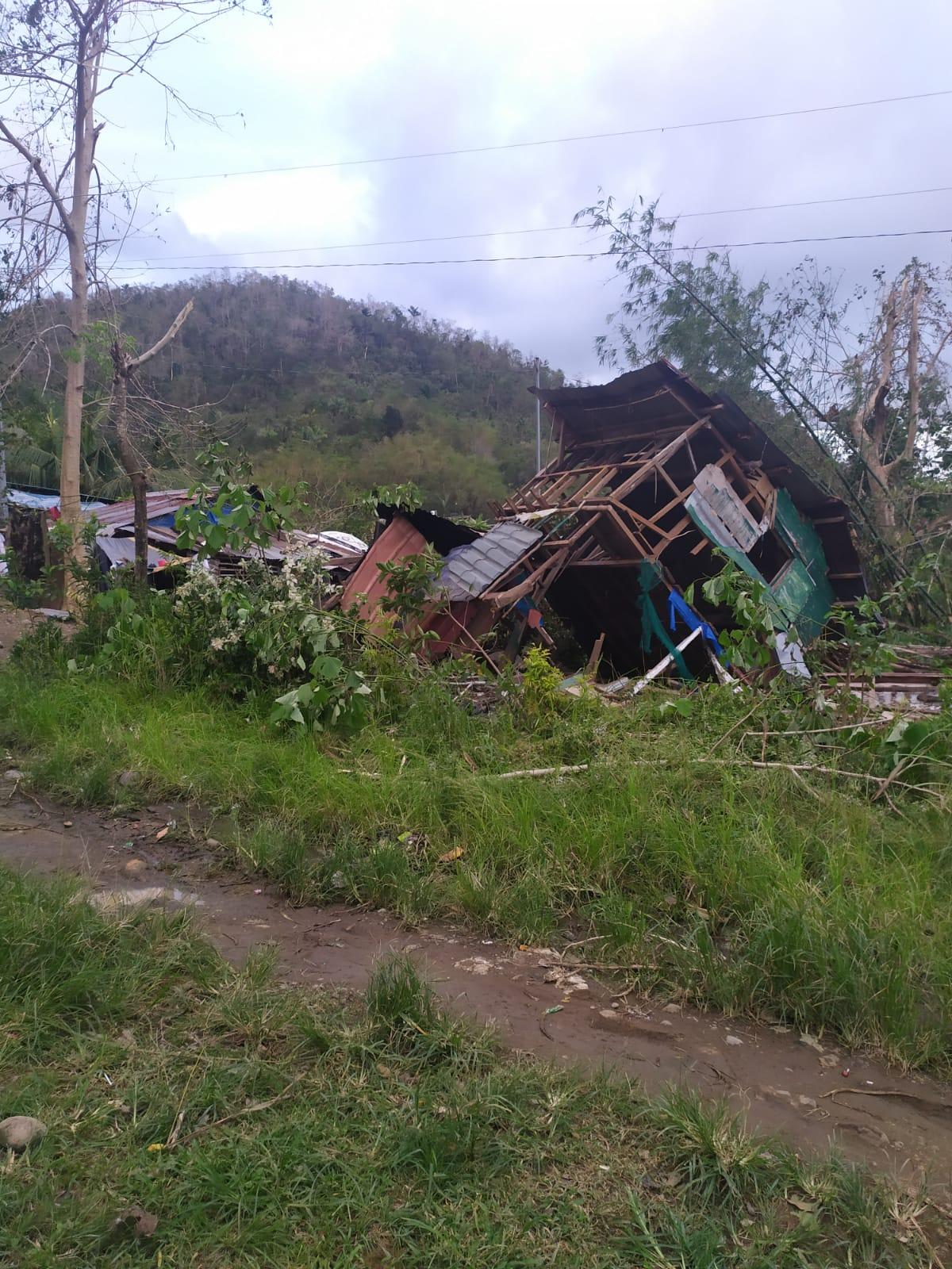 Maison à Tacloban. Tout le quartier a été ravagé par le typhon. ©Maeva, volontaire aux Philippines