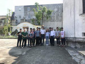 Mr Huy, des étudiants et une Bambou