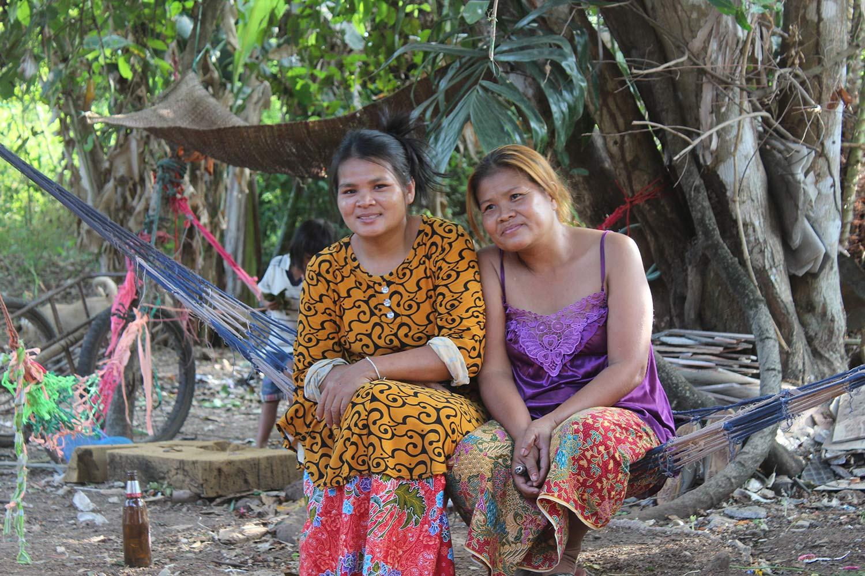 Les familles les plus pauvres s'endettent auprès des autres villageois pour se nourrir car les banques refusent les prêts sans garanti ©Marie-Charlotte Noulens