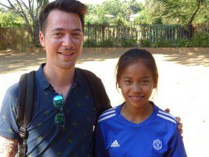 Eric et sa filleule cambodgienne