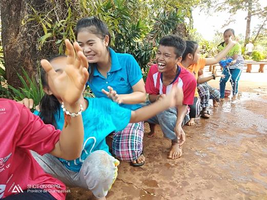 Les jeunes en plein summercamp ©Bérénice, volontaire Bambou au Laos
