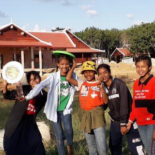 Jeunes au centre de Banteay Chmar