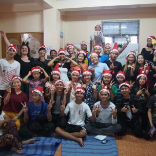 Jeunes en foyer de Rangoon - Birmanie