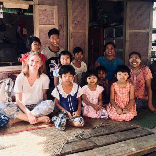 Manon et Filleuls en Birmanie