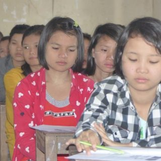 Rénovation de la bibliothèque du foyer de Maubin en Birmanie
