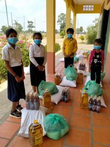 distribution nourriture Covid au Cambodge