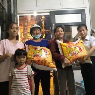 Familles de Quynh Nhi et Bao Thy