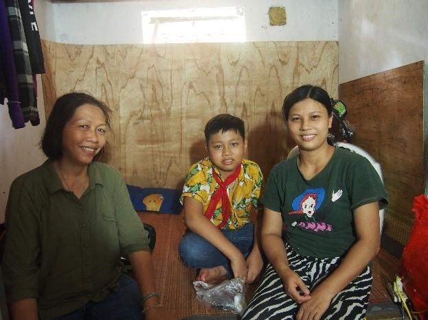 Mme Kim Yen la rp du programme, Thinh et sa maman