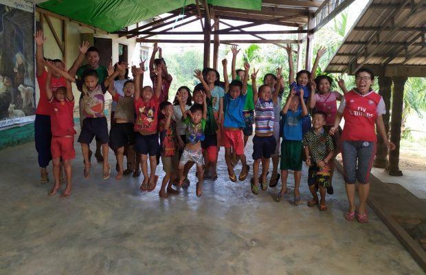 Achat d'un van pour permettre aux enfants de Kapyah d'aller au collège, en Birmanie