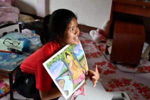 Jeune filleule karen étudiant dans un programme d'Enfants du Mékong