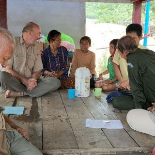Martin, directeur du Centre de Sisophon au cambodge, et des filleuls