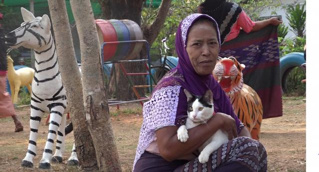 Regard de femme avec un chat