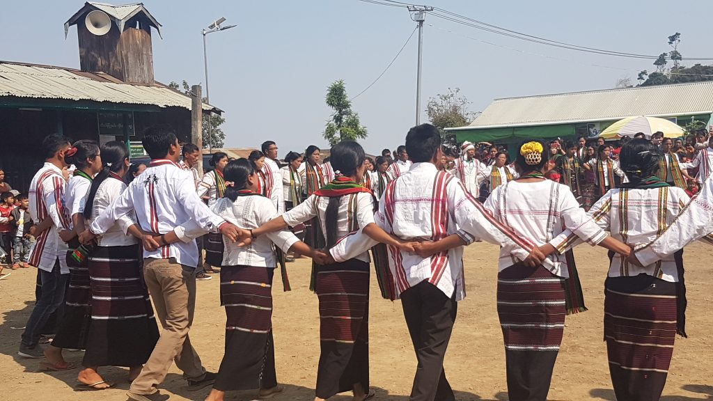 Danse Chin en Birmanie