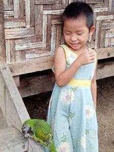 Jeune Kachin dans un camp de déplacés