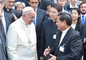 Le Pape François avec le Cardinal Charles Maung Bo