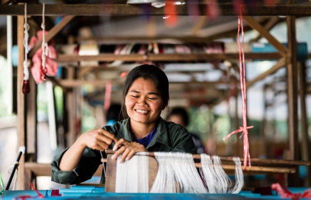 Des foulards en soie pour des femmes qui le valent bien
