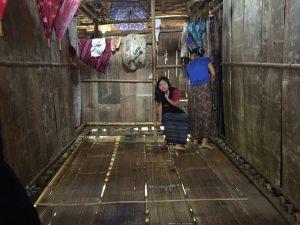 Dortoir des filles soutenues par edm dans le camp de Mae La Oon