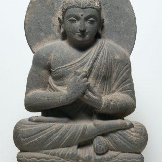 La dharmachakramudra Geste de mise en branle de la roue de la Loi et posture assise (padmasana)