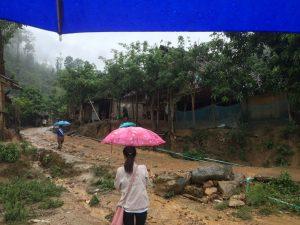 . Par temps de pluie, les rues deviennent des torrents de boue dans le camps de Mae La Oon.