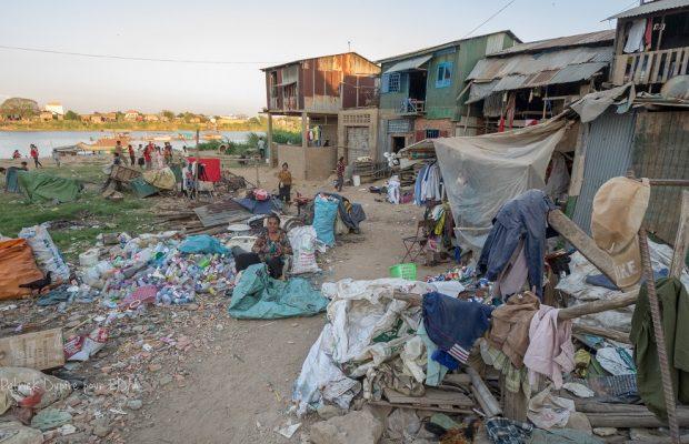 Bidonville à Phnom Penh au Cambodge