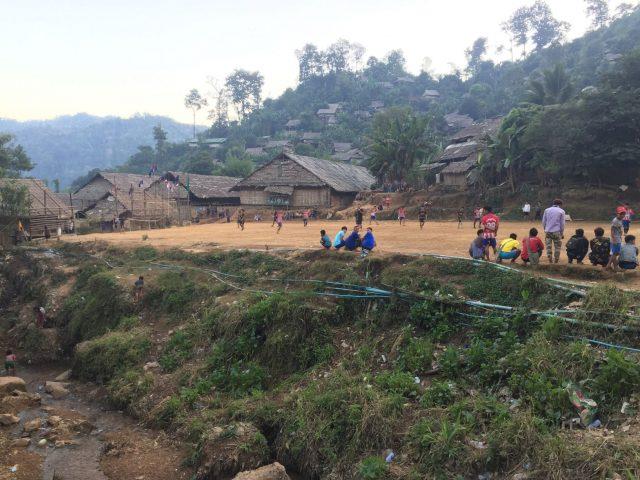 Terrain de foot du camp de Mae La Oon